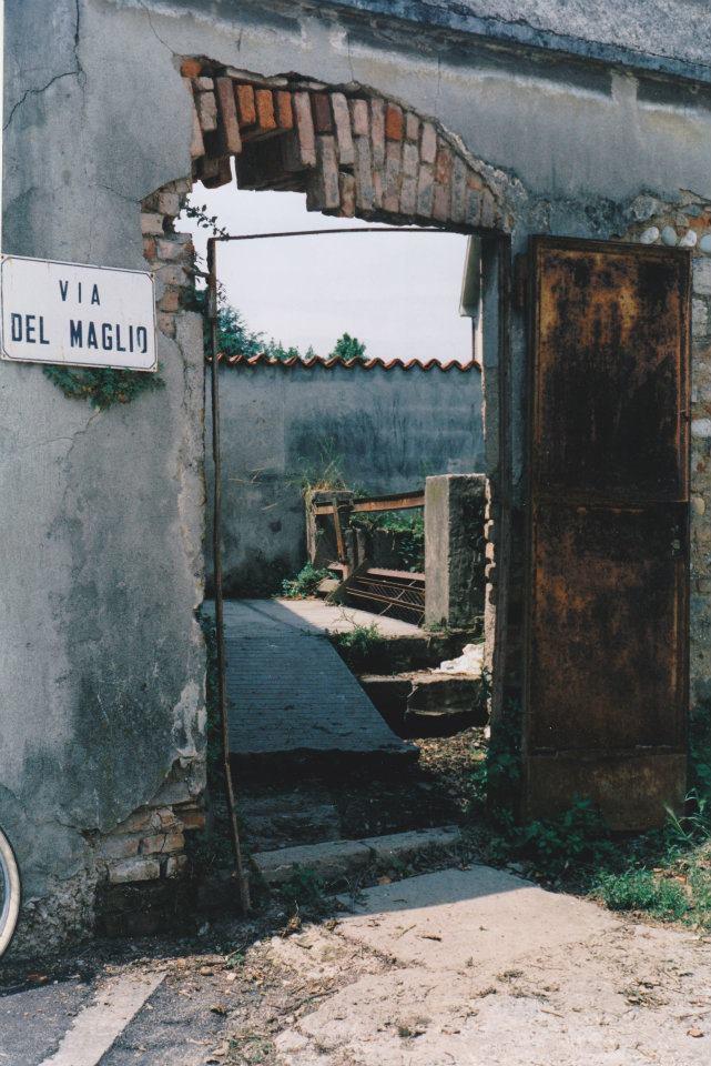 Il fosso che costeggia via del maglio artificiale essendo derivato dalle bonifiche attuate - Piscina comunale treviglio ...