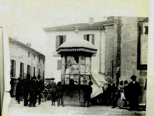 L'Edicola in Piazza Manara ( 1902 )