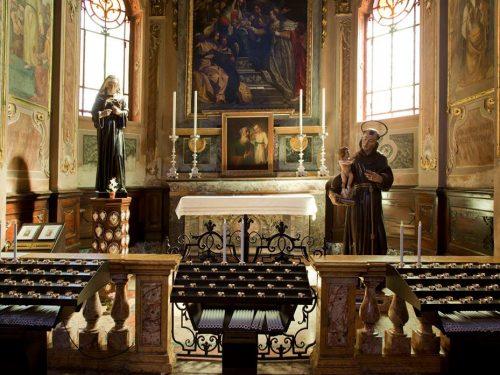 Foto di Tino Belloli: Parrocchia : 1° altare a destra