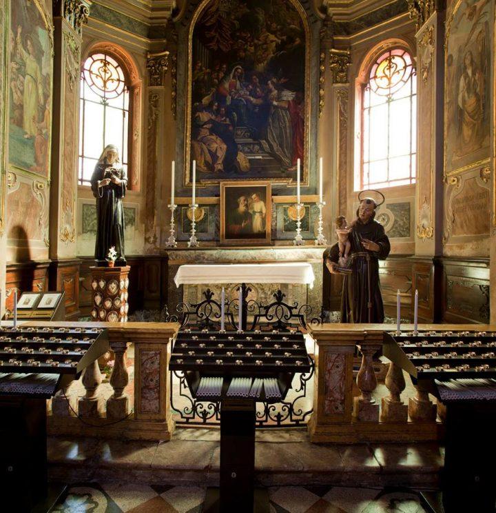 Parrocchia : 1° altare a destra